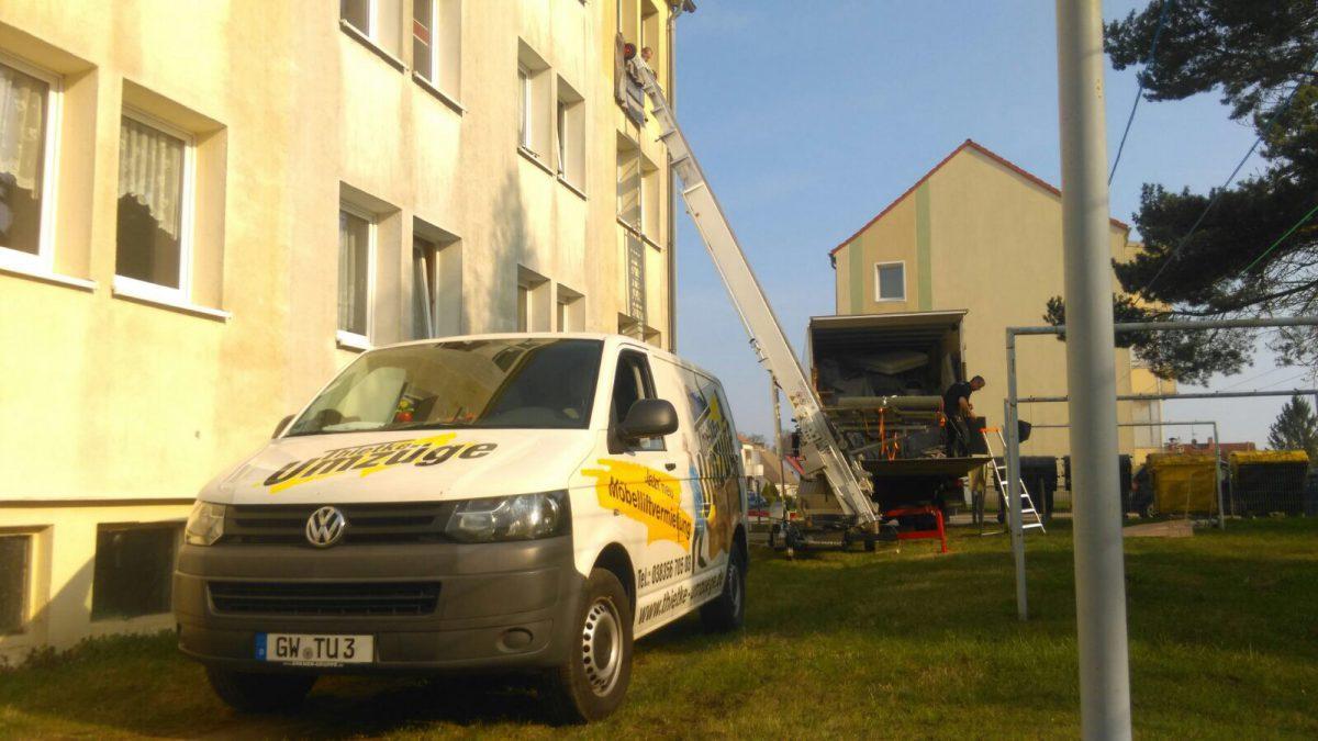 Thietke Umzüge - LKW mit Möbellift, Lassan 3. Etage
